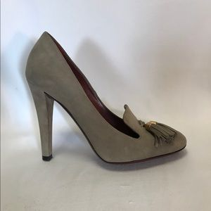 Gucci grey suede loafer pump with tassels